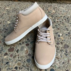 Timberland Dausette Chukka Boots in taupe